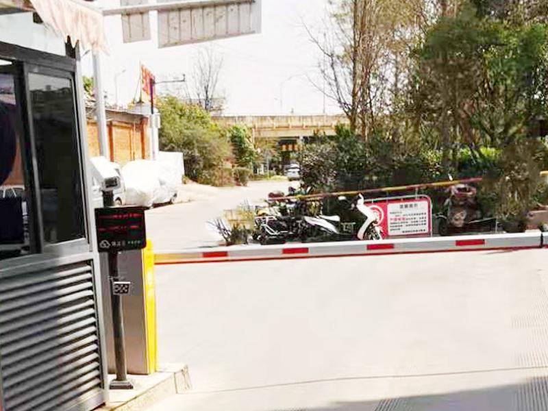 昆明福堤商业中心停车场出入口车牌识别系统案例3.jpg